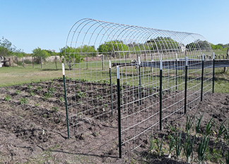 How to extend the life of wire mesh for fence