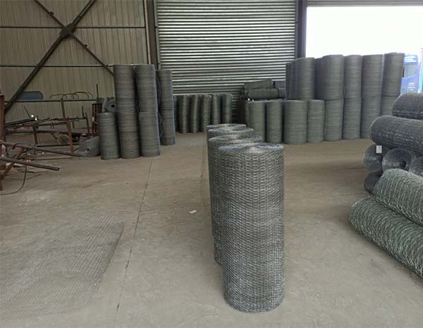 Hot-dip galvanized hexagonal net with 38mm mesh diameter and 1.6mm wire diameter