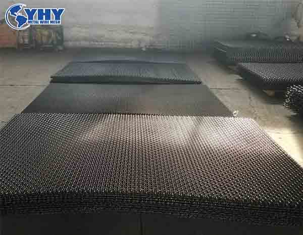 Black Plain Crimp Mining Screen In Roll / Sheet (Black Wire Mesh Screen) Long Service Life
